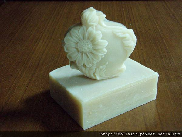 molly玩皂*~紅花穀奶皂~*