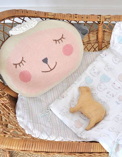 woolypillow_swap_2_zoom