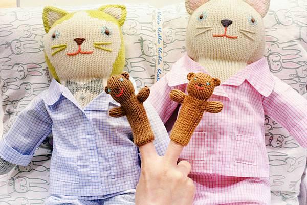 blabla娃娃衣服-睡衣組完裝-還有指套娃娃可以玩1