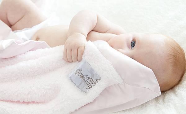little-giraffe-couvertures-de-bebes-1-2.jpg