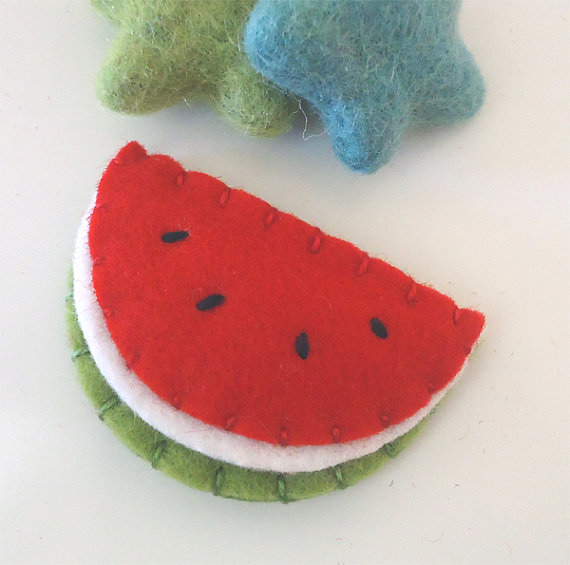 NO SLIP Watermelon wool felt mini hair clip -red sage green2.jpg