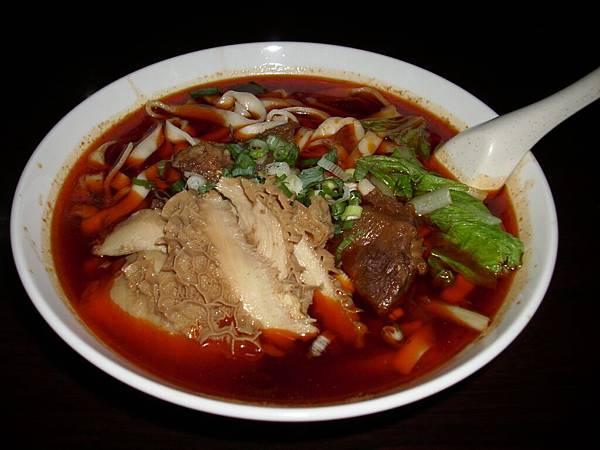 2009.07.24_捷運美食~昆陽牛肉麵之招牌紅燒牛肉麵_0009.JPG