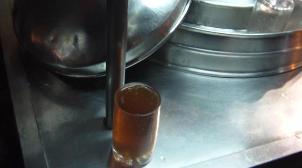 2008.12.27_基隆廟口~好喝解渴的10元紅茶冰_0004.jpg