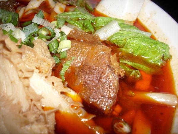 2009.07.24_捷運美食~昆陽牛肉麵之招牌紅燒牛肉麵_0011.JPG
