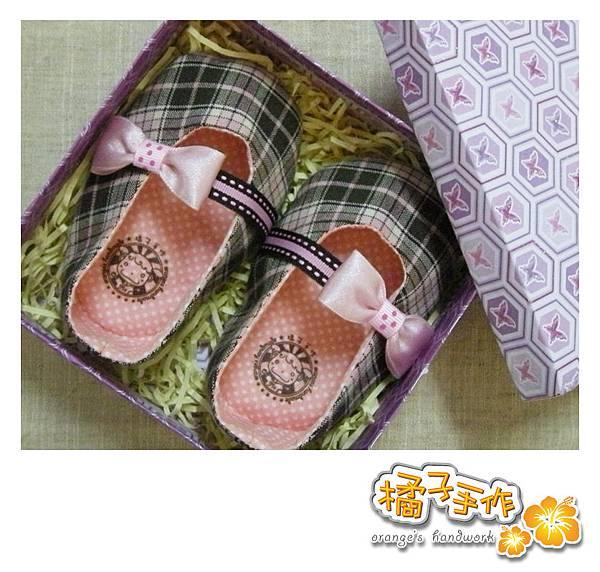 粉紅格紋嬰兒鞋02.jpg
