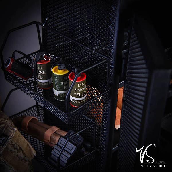 兵人用金屬武器櫃子_005.jpg