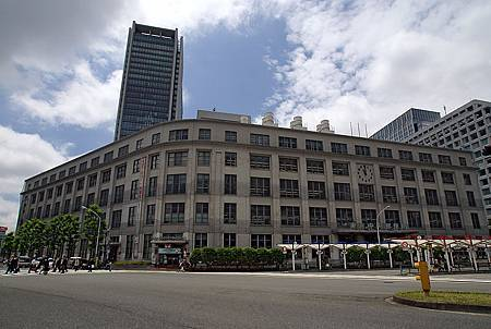 800px-Tokyo_Chuo_Post_Office01s5s3200