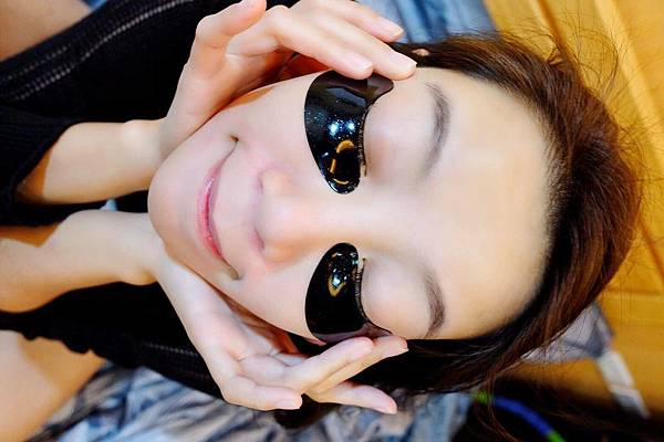 維密天使推薦111SKIN黑鑽光速全能眼膜-黑眼圈熊貓眼推薦_191216_0013.jpg