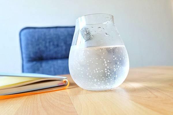 氣泡氫水的氣泡細緻綿密.jpg