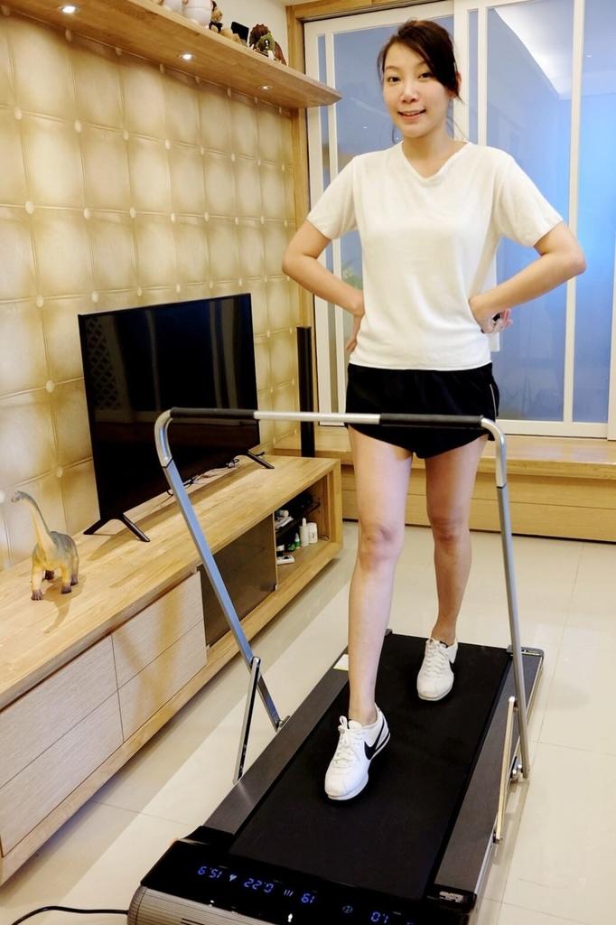 輝葉家用平板跑步機-小坪數跑步機_201127_7.jpg