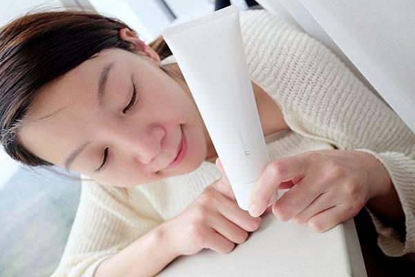 ORBIS極光悠系列洗面乳就非常符合摸摸對於一款好的洗面乳要求條件