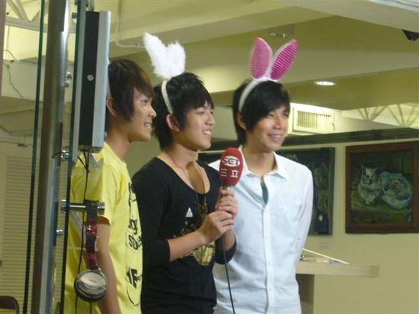 3隻兔西瓜