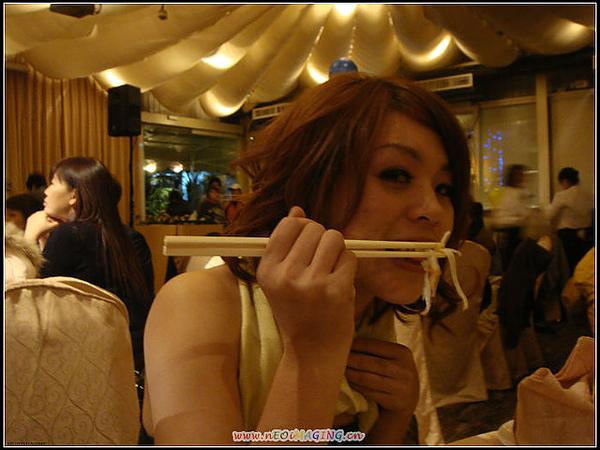 潘小櫻穿的很辣喔