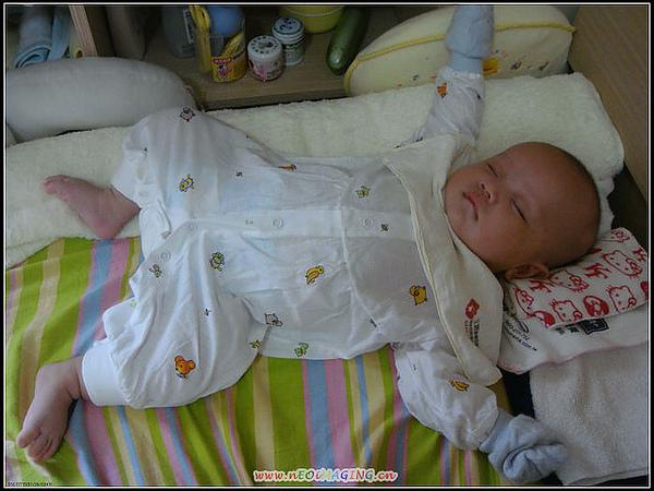 2009-6-20這就是老大的睡姿