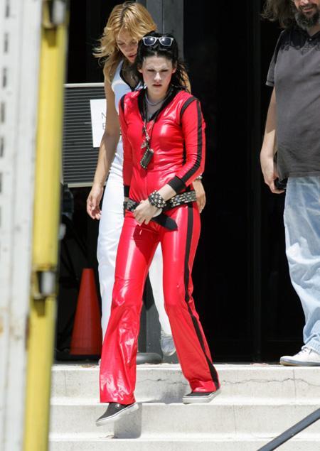 20090730-Kristen Stewart+Joan Jett-04.jpg