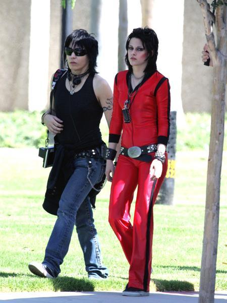 20090730-Kristen Stewart+Joan Jett-07.jpg