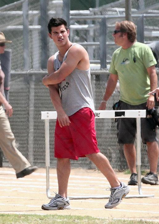 20090730-Taylor Lautner Set Valentine's Day-26.JPG