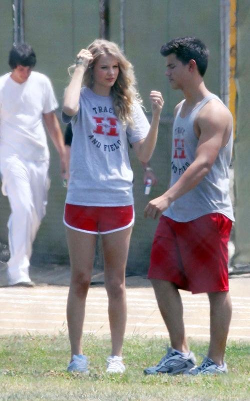 20090730-Taylor Lautner Set Valentine's Day-29.jpg