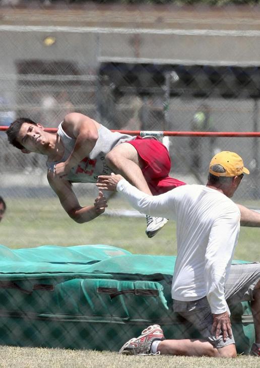 20090730-Taylor Lautner Set Valentine's Day-33.JPG