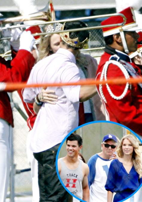 20090730-Taylor Lautner Taylor Swift Kiss-02.jpg