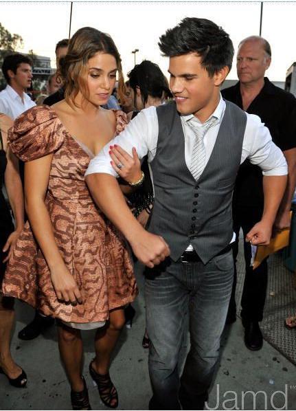 20090809-Taylor Lautner at Teen Choice Awards 2009-16(Nikki).jpg