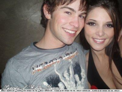 2009-Ashley Greene & Chase Crawford NEWS-2.jpg