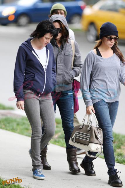 20090906- Kristen, Nikki and Elizabeth-08.jpg
