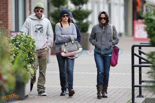 20090906- Kristen, Nikki and Elizabeth-22.jpg