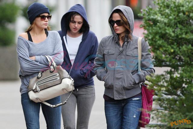 20090906- Kristen, Nikki and Elizabeth-25.jpg