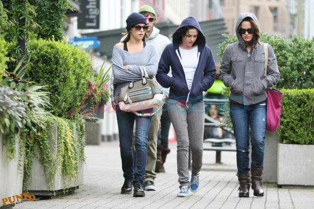 20090906- Kristen, Nikki and Elizabeth-28.jpg