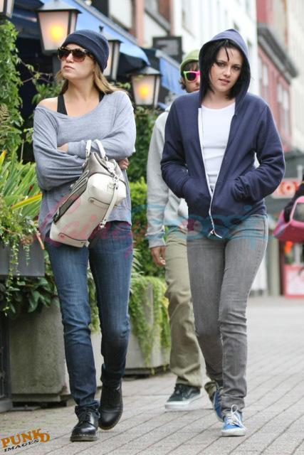 20090906- Kristen, Nikki and Elizabeth-32.jpg