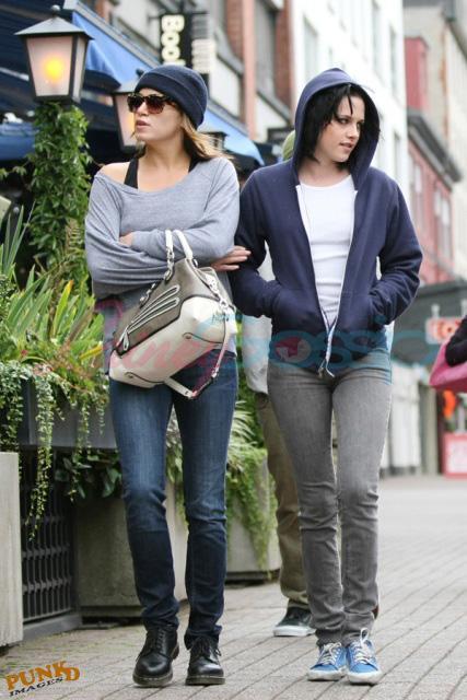 20090906- Kristen, Nikki and Elizabeth-35.jpg