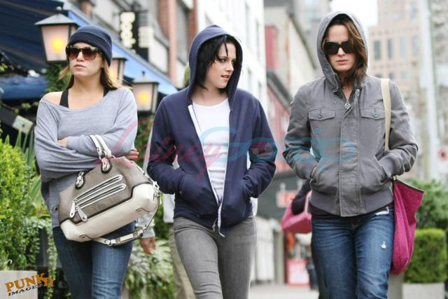 20090906- Kristen, Nikki and Elizabeth-36.jpg