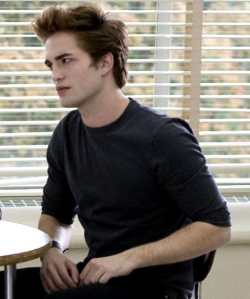 Robert Pattinson-Edward-587X703.JPG