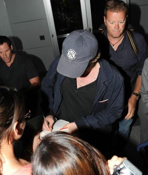20090726-Rob in JFK-04.JPG