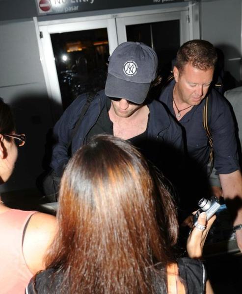 20090726-Rob in JFK-06.JPG