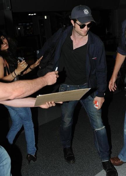 20090726-Rob in JFK-23.JPG