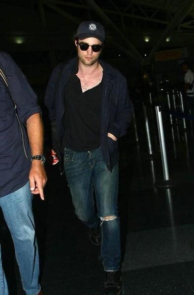20090726-Rob in JFK-41.JPG