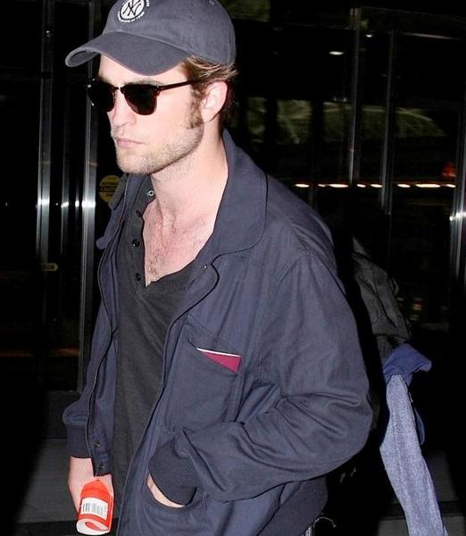 20090726-Rob in JFK-57.JPG