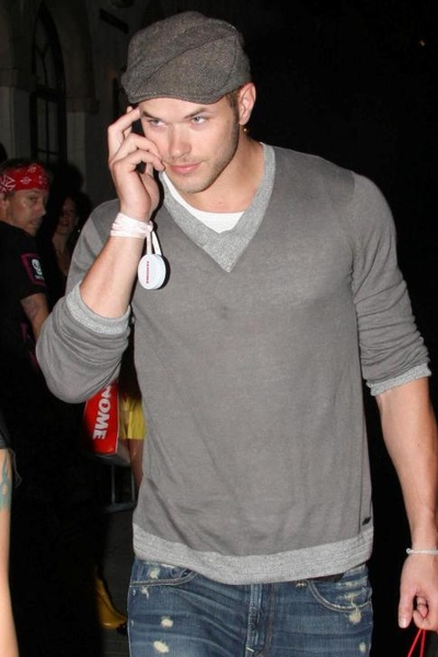 20090730-Kellan Lutz at Social nightclub-01.JPG