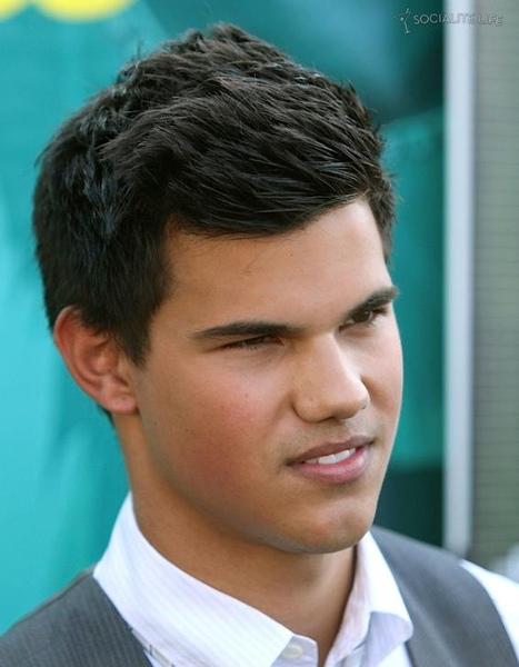20090809-Taylor Lautner at Teen Choice Awards 2009-01.JPG