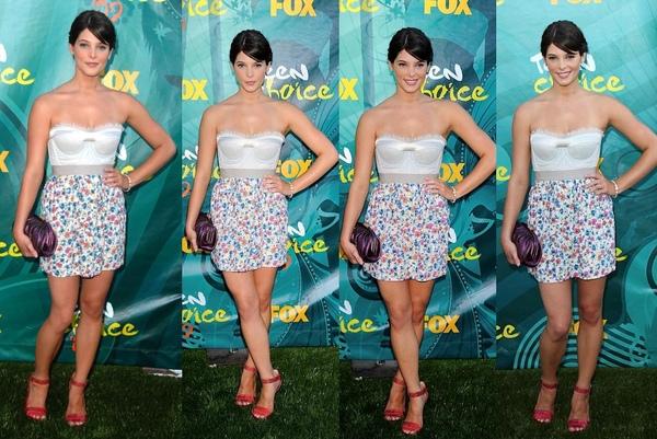 20090809-Ashley Greene at Teen Choice Awards 2009-0-1.JPG
