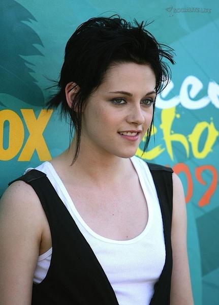 20090809-Kristen at Teen Choice Awards 2009-13.jpg