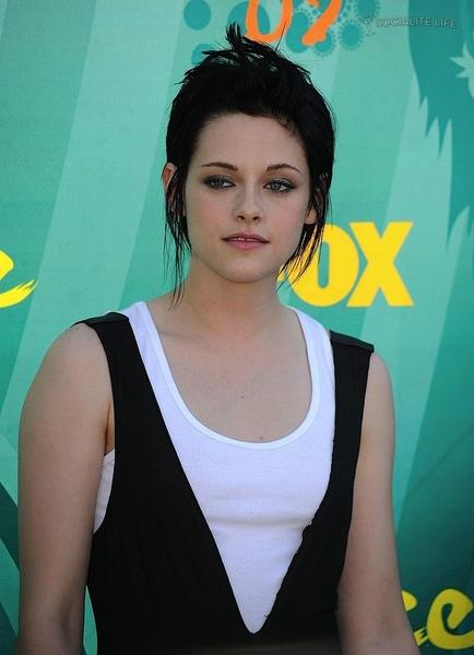 20090809-Kristen at Teen Choice Awards 2009-14.jpg