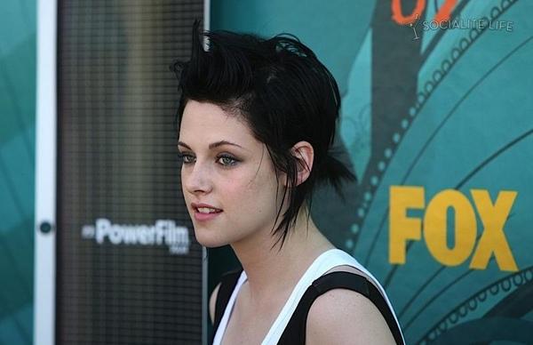 20090809-Kristen at Teen Choice Awards 2009-21.jpg