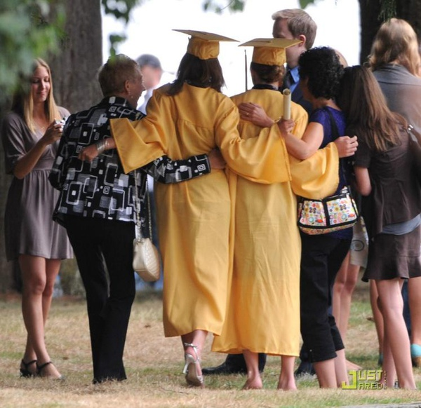 20090828-Kristen films the graduation scene in  Eclipse-01x.JPG