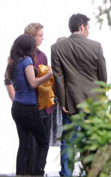 20090828-Kristen films the graduation scene in  Eclipse-03.jpg