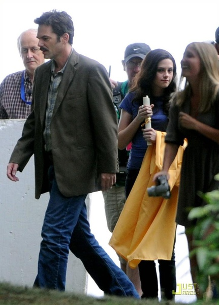 20090828-Kristen films the graduation scene in  Eclipse-04x.JPG