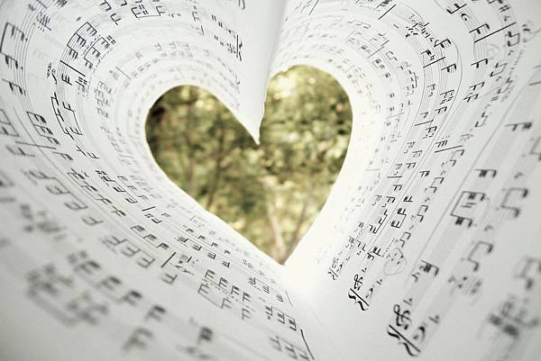 lovemusic_WXzzROf5.jpg