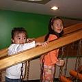 岑岑也學會了木頭晃晃梯